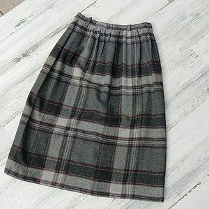 Vintage 60s 70s Gray Red Highwaisted Plaid Skirt
